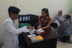 Simulasi-langsung-di-apotek-pendidikan-uta-45-jakarta-06