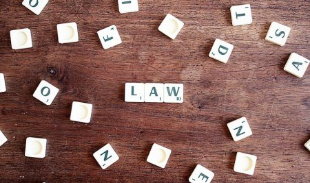 Belajar Apa Saja Saat Kuliah Hukum? Perhatikan Ini Dulu!